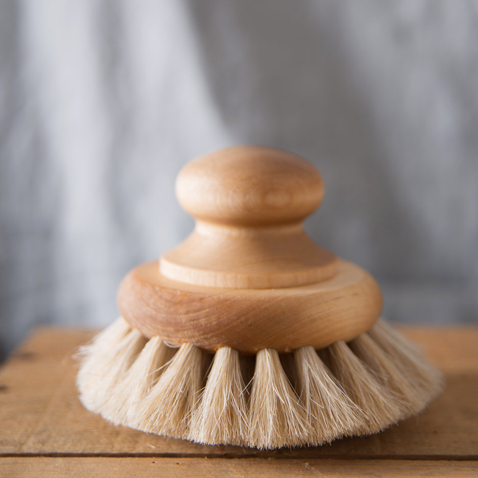 Iris Hantverk round body brush