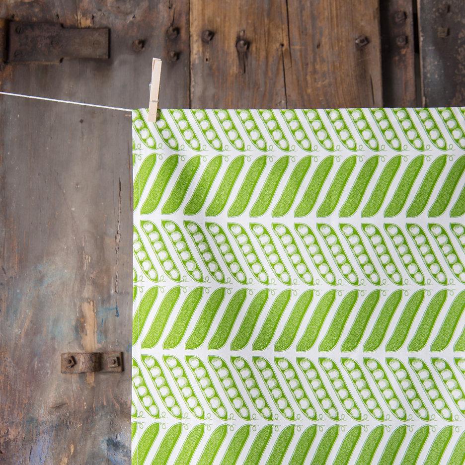 Thornback and Peel green pea pods tea towel