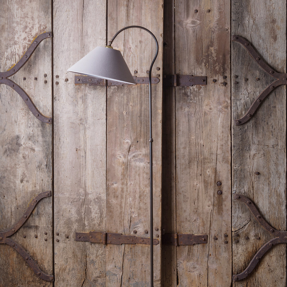 Curved standard lamp adjustable height, cast iron with aged bronze finish