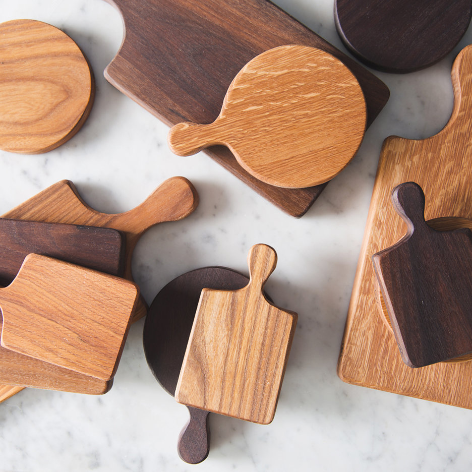 Wooden oblong and round chopping boards