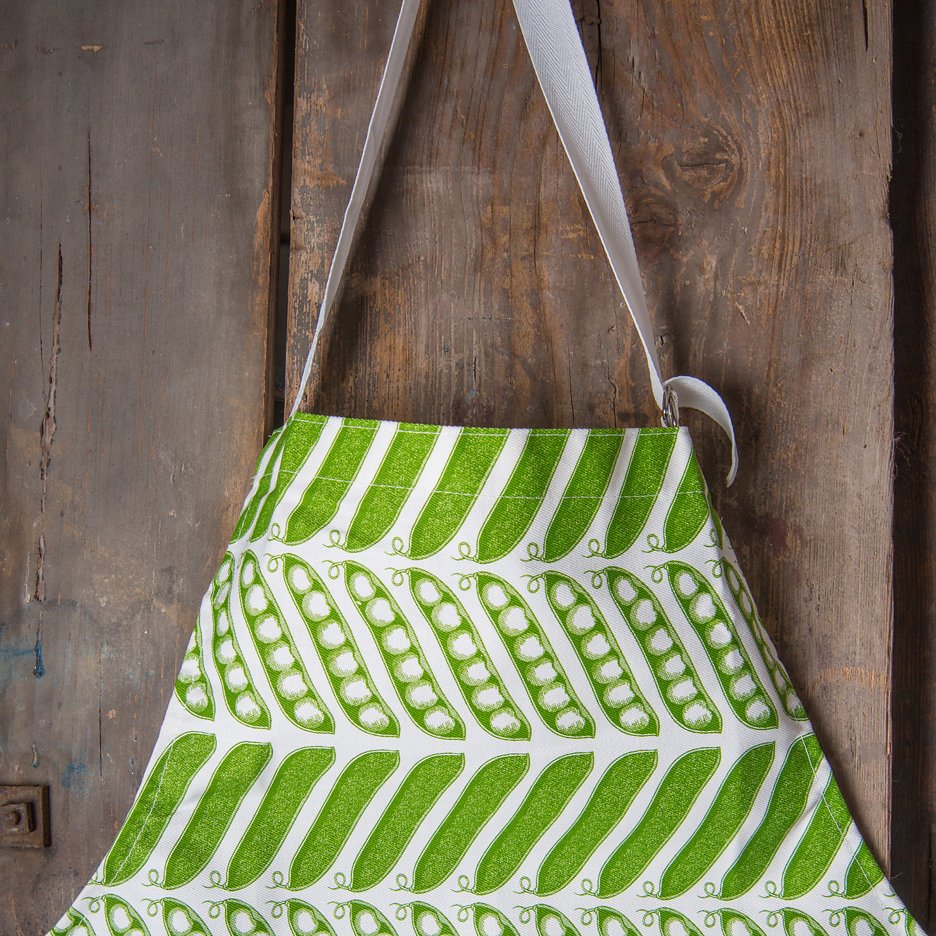 Thornback and Peel green pea pods apron