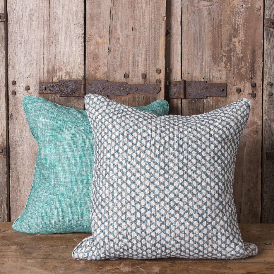 Plain green / wicker linen cushions
