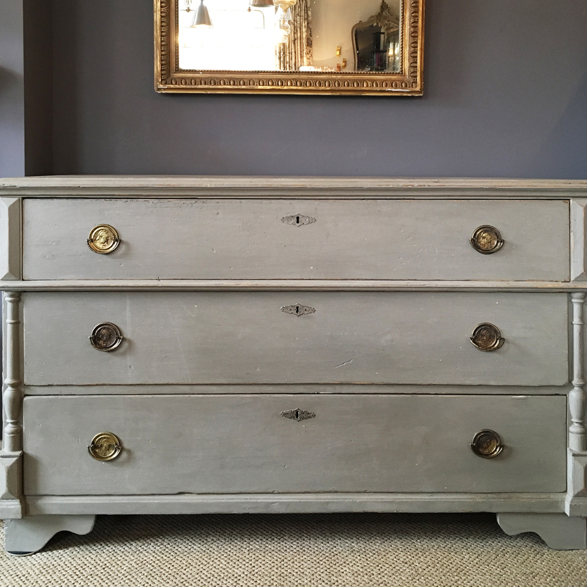 Antique chest of drawers in soft grey